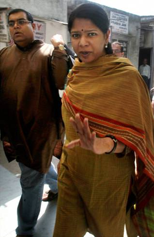 The DMK MP, Kanimozhi, with her husband G.Aravindan